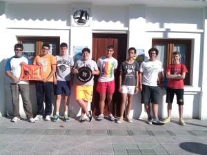 Gran parte dos alumnos no primeiro dia de curso, coa Txapela que trouxemos de Lekeitio